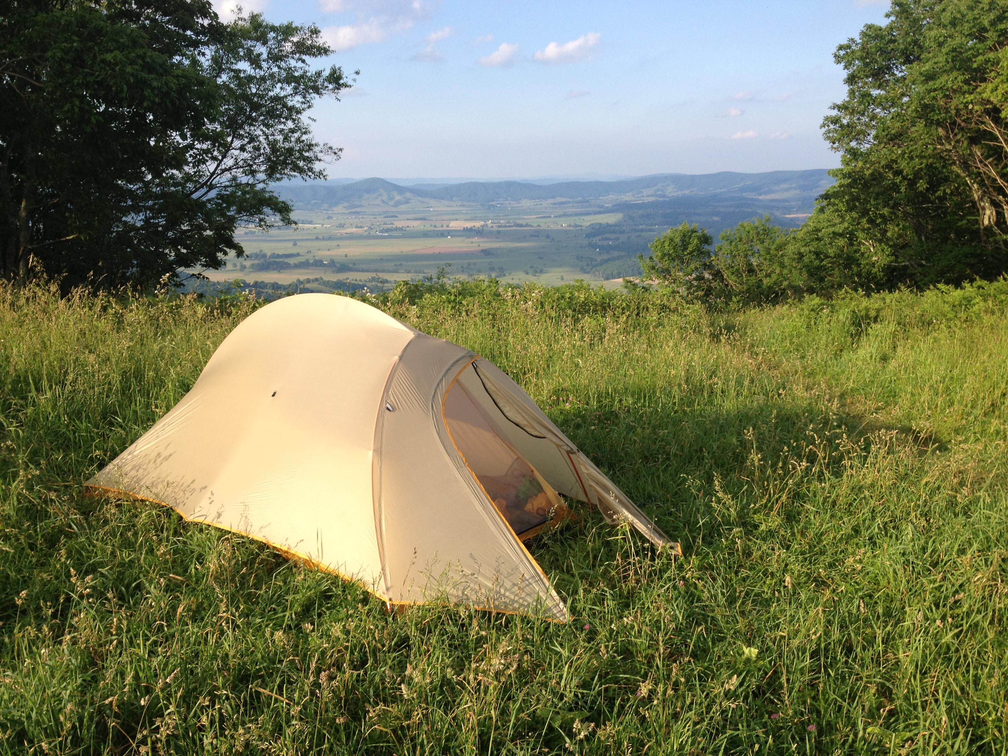 For my 2013 solo thru-hike of the AT I needed a lightweight durable easy to set up tent that would both keep me and my pack dry. & Thru-Hike Tent Review: The Fly Creek UL2 u2013 Patches Thru